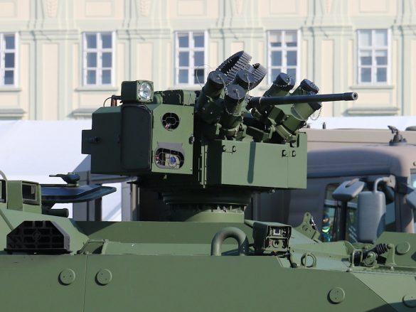 Elektrisch fernbedienbare Waffenstation WS4 Panther des PANDUR Evolution © Doppeladler.com
