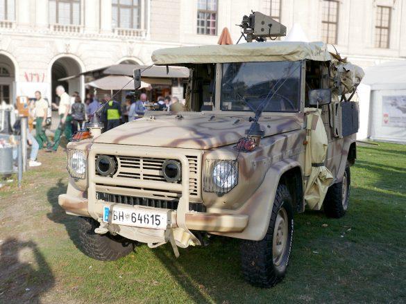 """Einsatzfahrzeug Puch G SOF """"Sandviper"""" des Jagdkommandos © Doppeladler.com"""