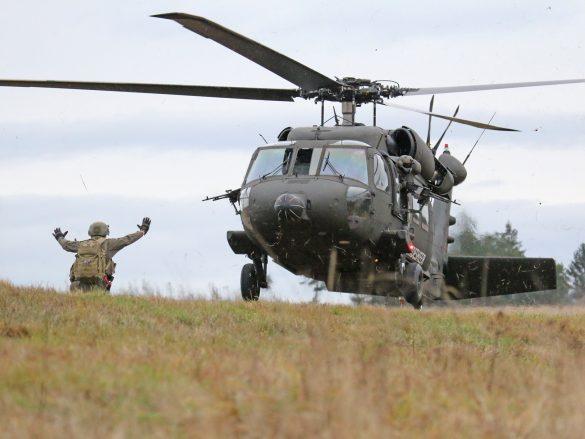 Der Black Hawk wird eingewiesen © Doppeladler.com