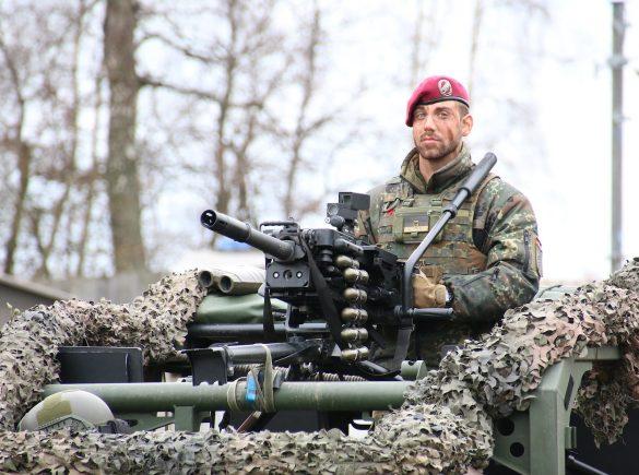 40 mm Granatmaschinenwaffe © Doppeladler.com
