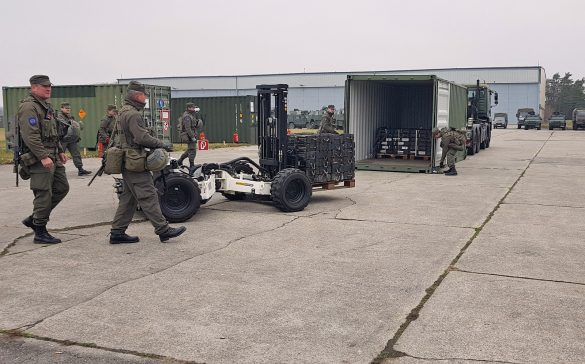 Ferngesteuerter Palfinger FLG 140 Crayler auf der Main Operating Base © Bundesheer