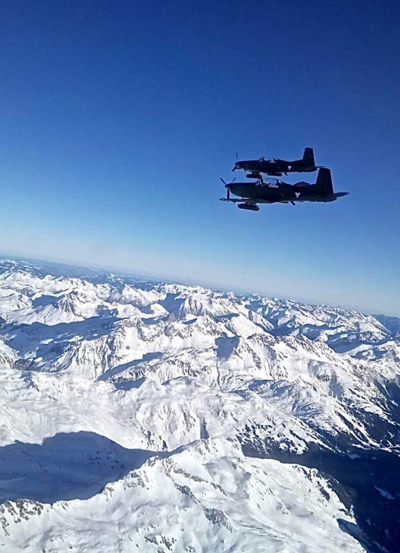 Die Pilatus PC-7 sind mit Gun-Pods bewaffnet © Bundesheer