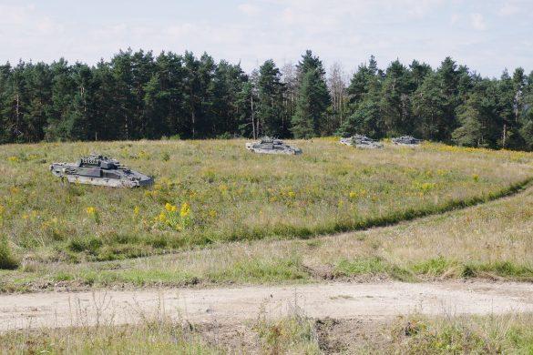 Schützenpanzer Ulan gehen in Stellung © Doppeladler.com