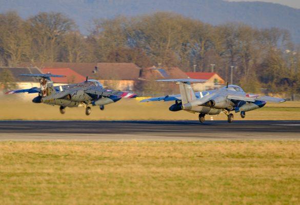 14:19 Uhr - BJ-40 und RI-29 steigen auf zum letzten Einsatz der SAAB 105 © Daniel Sinn