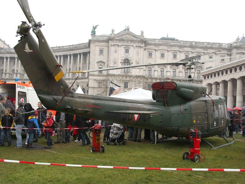 Agusta Bell AB-212 5D-HL