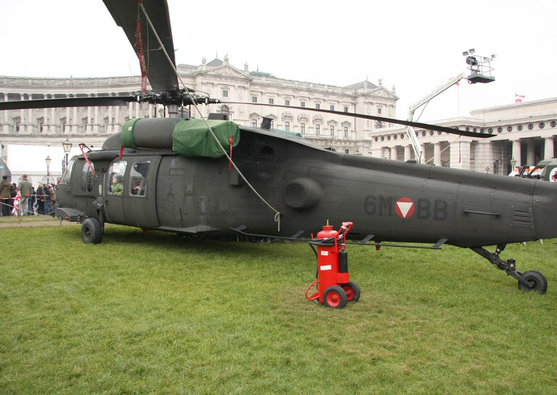 Sikorsky S-70A-42 Black Hawk 6M-BB