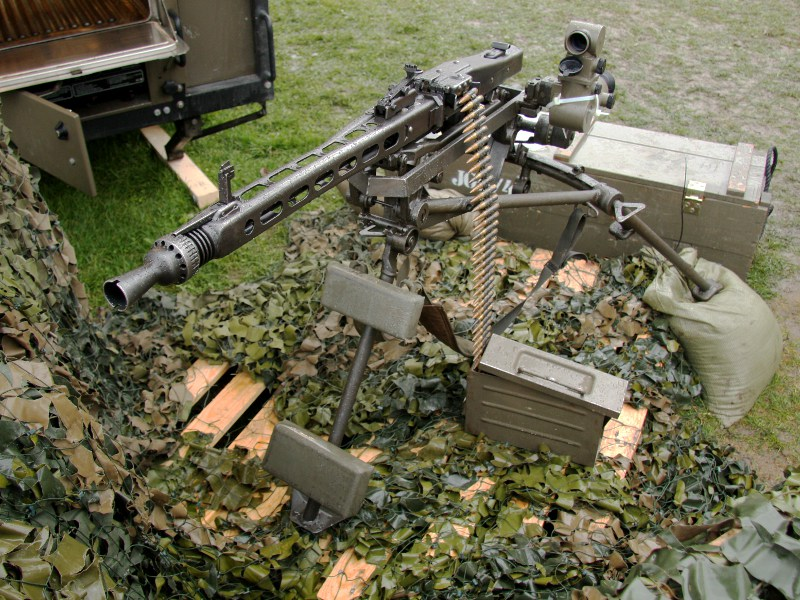 7,62 mm Maschinengewehr MG-74 auf Lafette