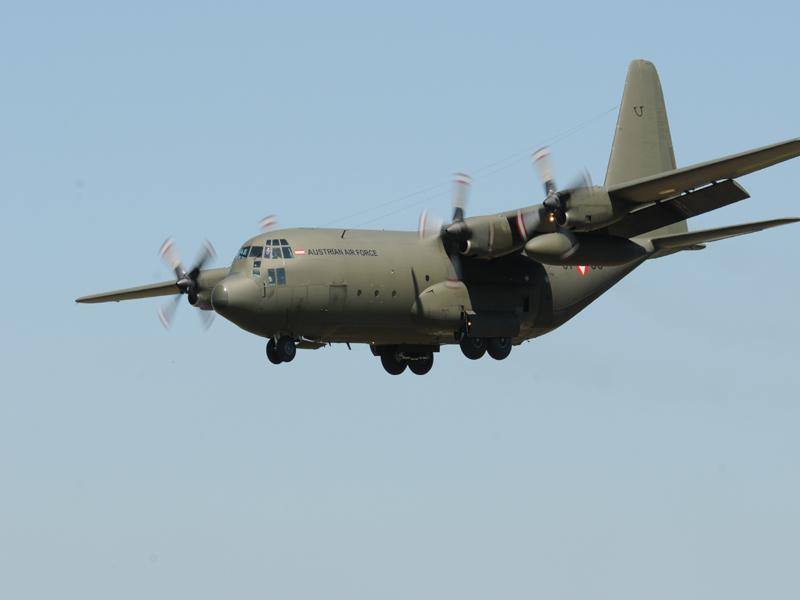 Lockheed Hercules CMk.1P (C-130K) © Strobl