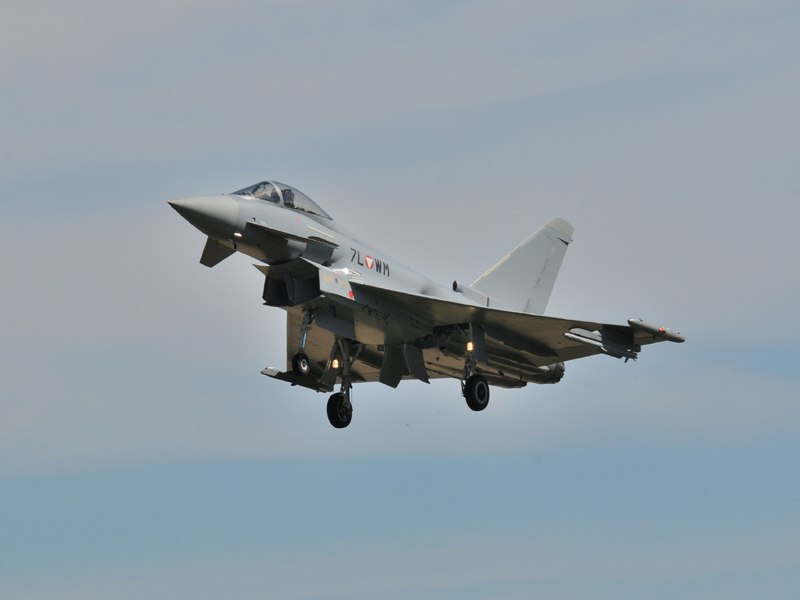 Eurofighter Typhoon 7L-WM im Landeanflug © Strobl