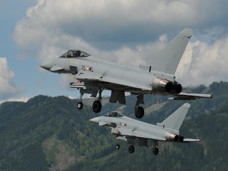 Eurofighter Typhoon 7L-WI und 7L-WL © Strobl