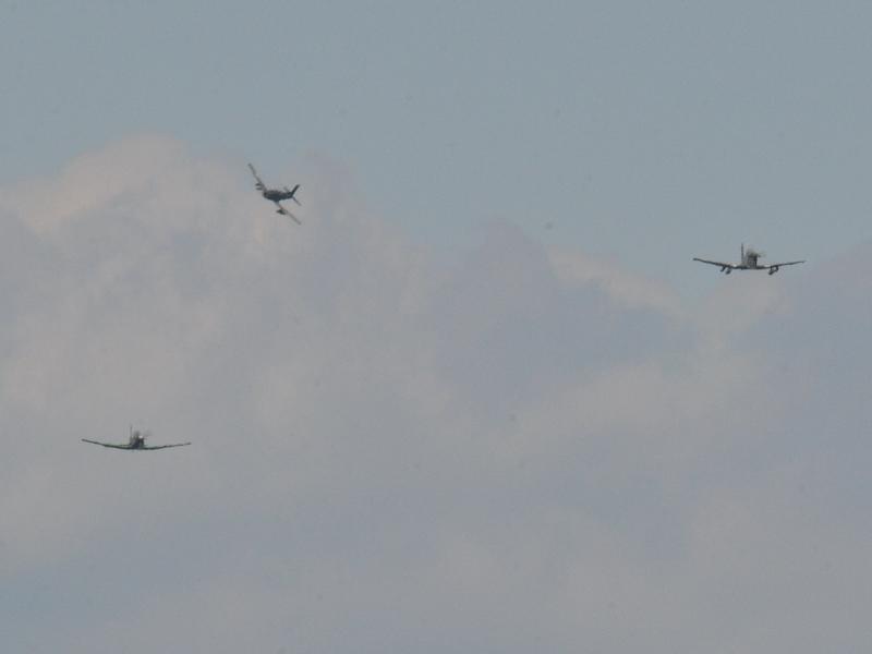 Dann greifen auch Pilatus PC-7 Turbo Trainer in das Geschehen ein © Strobl