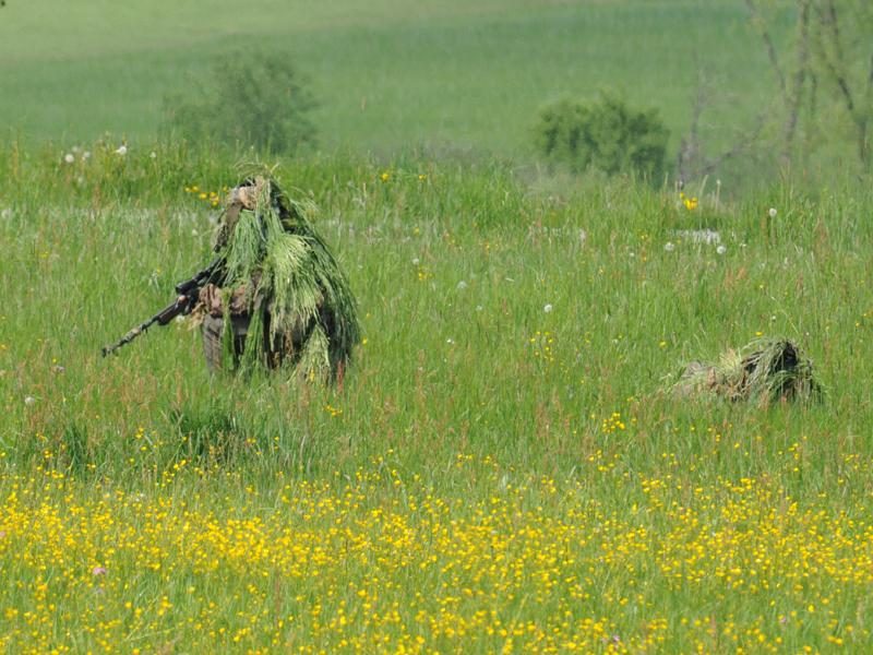 Scharfschützen gehen in Stellung © Strobl