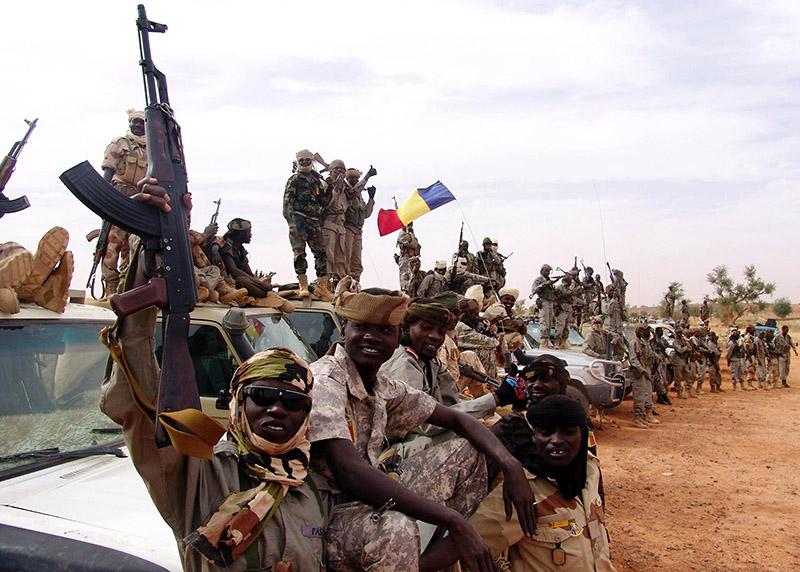 Auch wenn sie selbst wie Rebellen aussehen, zu sehen sind Teile der Eingreiftruppe aus dem Tschad!