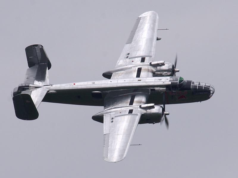 "RT2 - North American B-25J ""Mitchell"" © Robert Tögel"