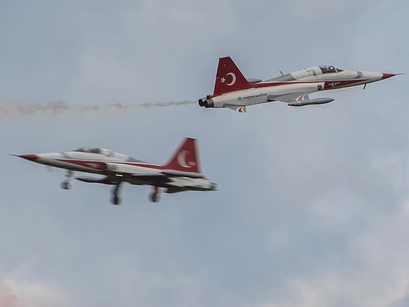 CB1 - Turkish Airforce - Crossing Turkish Stars © Christoph Bauer