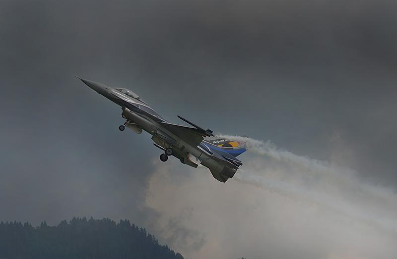 LM1 - F 16 der Belgier beim Start © Luca Mynds