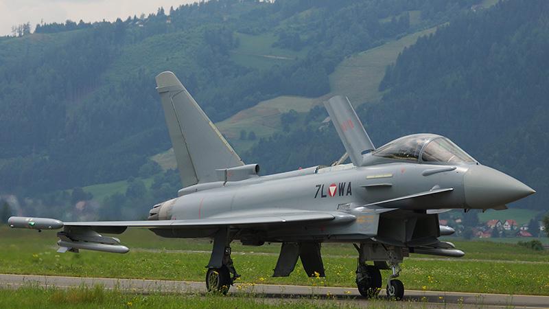 LM3 - Typhoon auf dem Taxiway © Luca Mynds