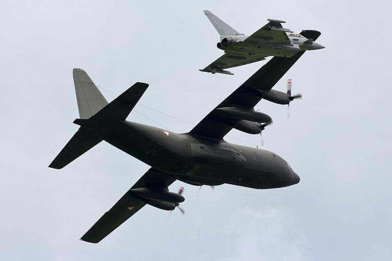 MS3 - Eurofighter Abfangübung mit Hercules C-130 © Michael Stricker