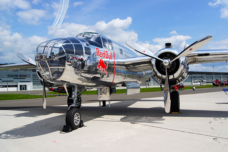 OO3: North American B-25J Mitchell © Oliver Oszwald