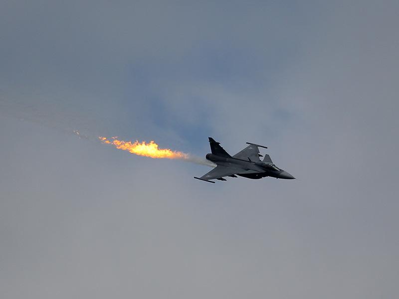 PX1 - Saab JAS39 Gripen der ungarischen Luftwaffe bei einem Dump and Burn © Peter Semmelweis