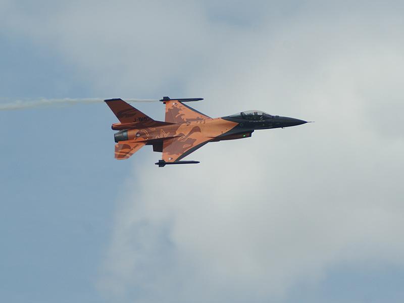 SN1 - F-16 Fighting Falcon © Sebastian N.