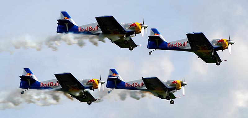 "TD1 - Performance des ""The Flying Bulls Aerobatics Team"" (4x Zlin Z-50LX) © Tim Donell"