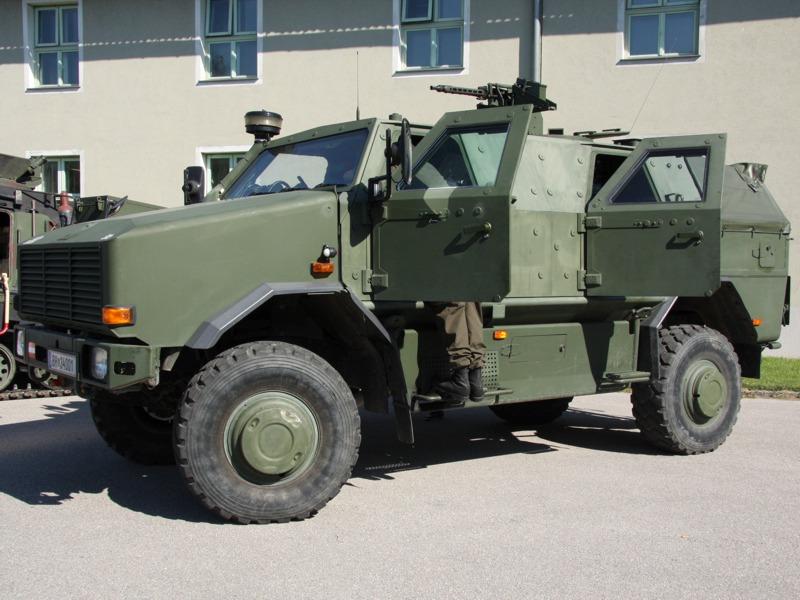 Patrouillen- und Sicherungsfahrzeug Dingo 2