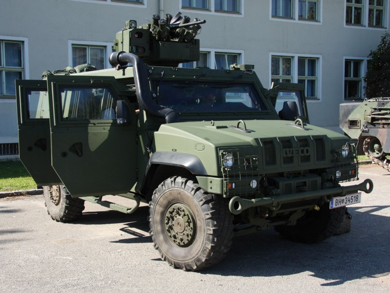 Aufklärungsfahrzeug Iveco LMV des Aufklärungs- und Artilleriebataillons 3 (AAB3)