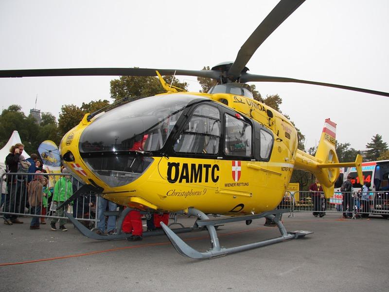 Eurocopter EC 135 Christophorus des ÖAMTC © Doppeladler.com