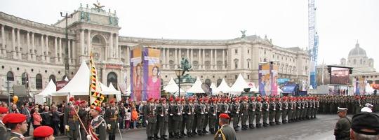 Nationalfeiertag 2013 - das Bundesheer am Heldenplatz © Doppeladler.com