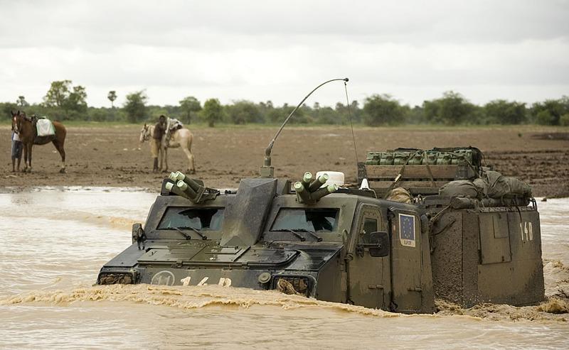 Niederländischer BvS10 im Tschad © Niederländische Streitkräfte