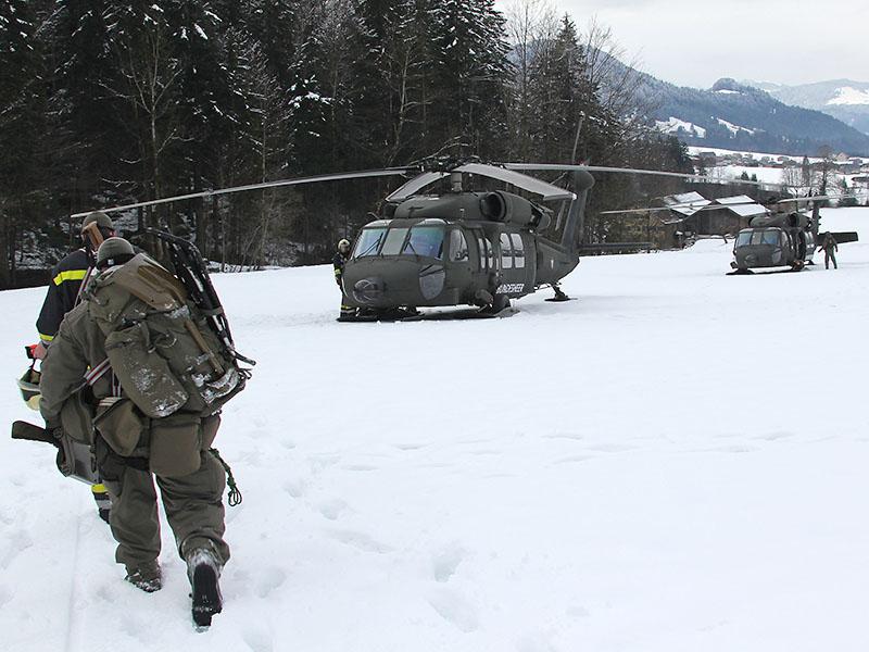 """Black Hawks des ERTA-Teams (""""Emergency Response Team Air"""") © Bundesheer"""