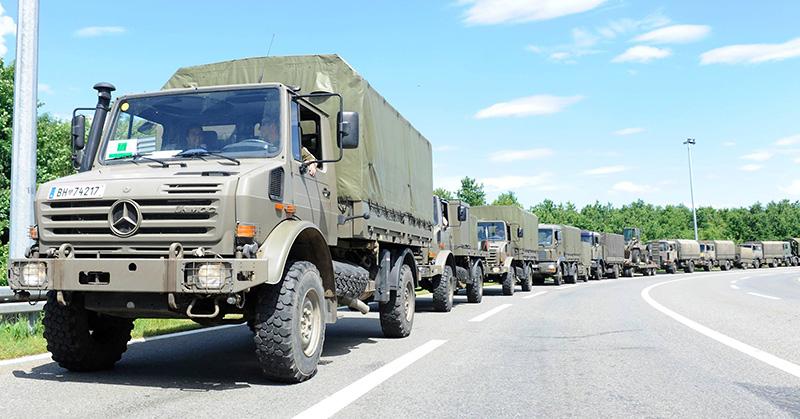 Der Konvoi der AFDRU auf dem Weg ins Katastrophengebiet © Bundesheer
