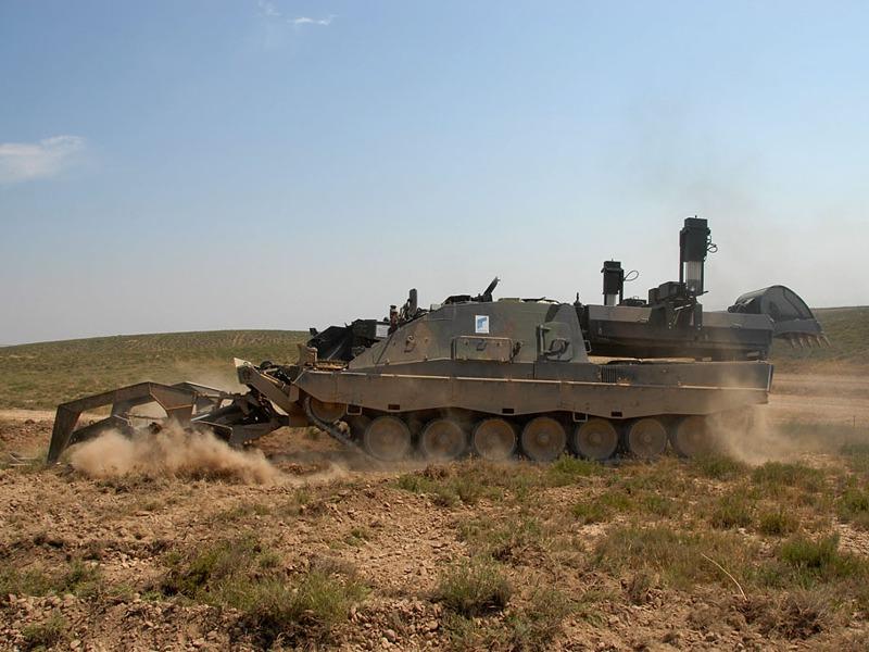 Ein schweres Minenräumsystem wäre etwa der Pionierpanzer 3 Kodiak mit Minenpflug © Rheinmetall Defence