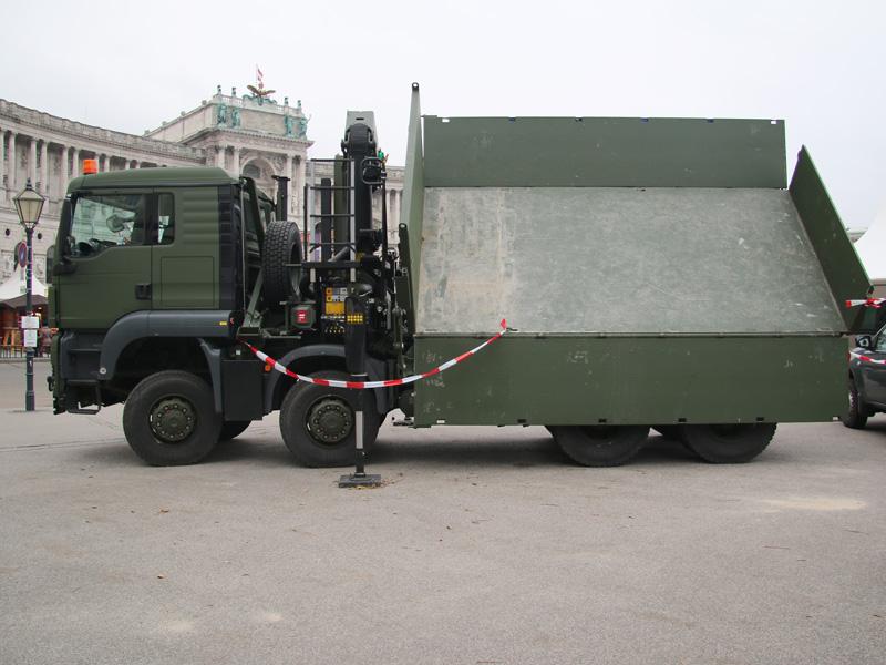 MAN TGS 41.480 8x8 Kipperfahrzeug mit Frontladekran 26 mt