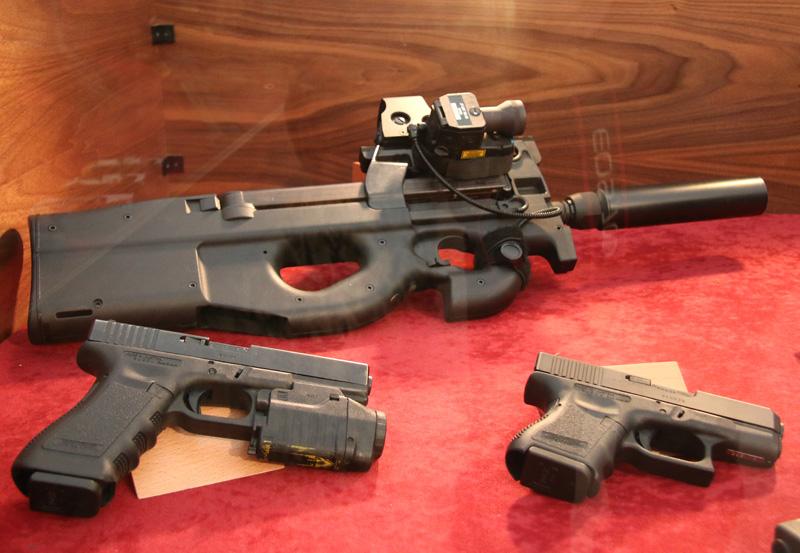 5,7 mm Maschinenpistole P90 Tactical von FN Herstal