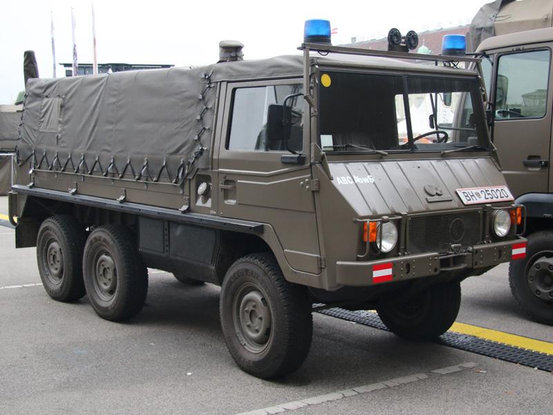 Pinzgauer 712 RuB (Rette- und Bergefahrzeug)