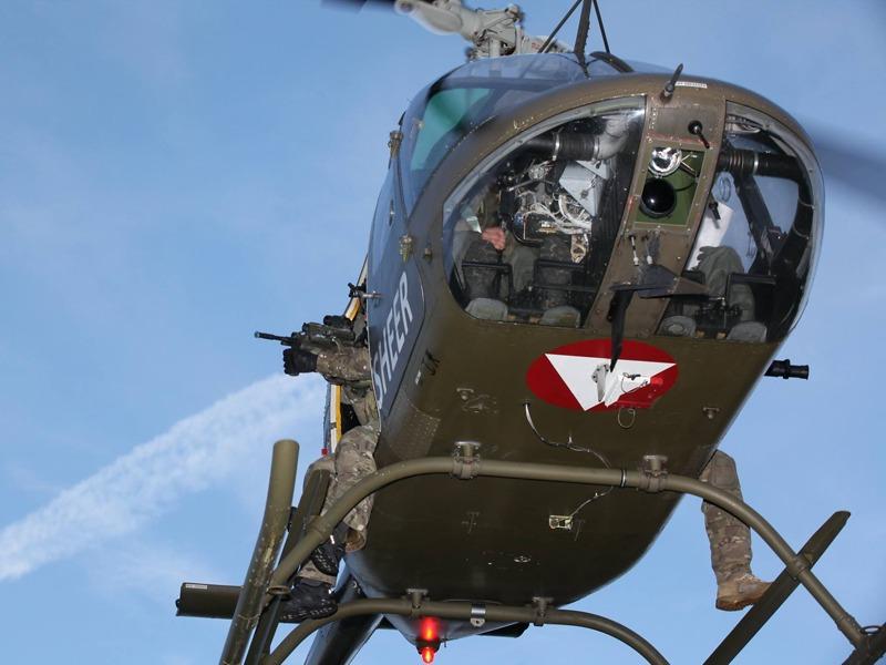 Jagdkommando-Taxi Bell OH-58B Kiowa © FLVFOT
