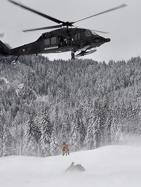 Sikorsky S-70A-42 Black Hawk im Bergeeinsatz © Bundesheer
