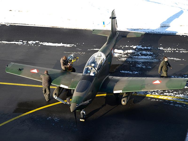 Pilatus PC-7 Turbo Trainer mit zwei MG Pods © Bundesheer