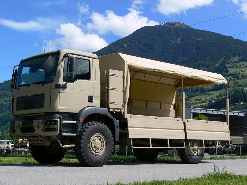 Der Survivor R basiert auf der militarisierten Plattform des TGM 18.350 (4×4) © RMMV
