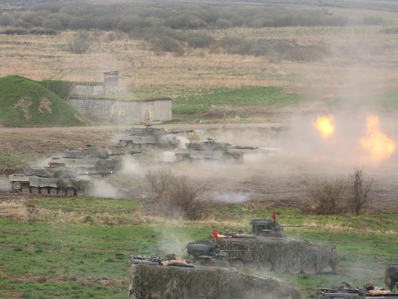 Feuer frei für die Leopard 2A4 © Doppeladler.com