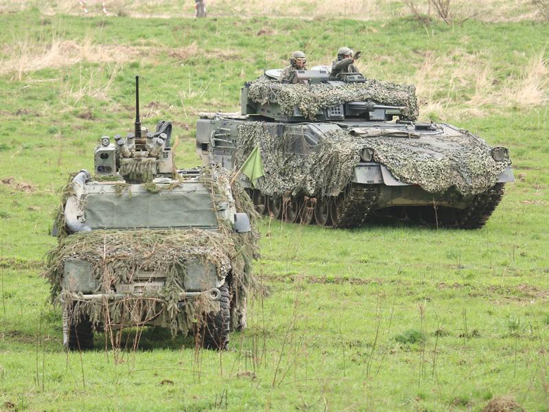 Iveco LMV und Schützenpanzer Ulan © Doppeladler.com