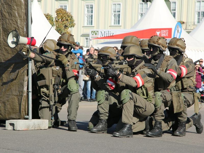 "JgB25: ""Achtung, Achtung! Hier spricht das Bundesheer"" © Doppeladler.com"