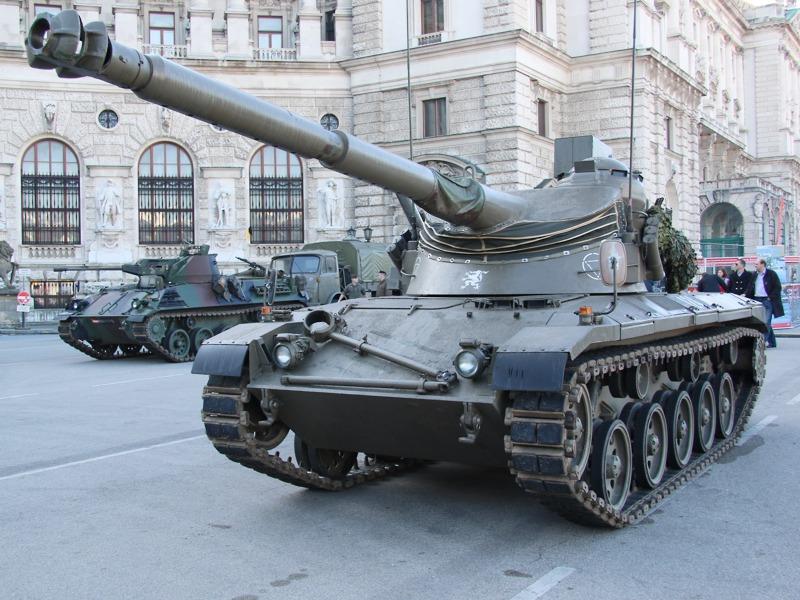 Jagdpanzer Kürassier der ersten Produktionsserie (sh. Schießscheinwerferbox am Turmdach) © Doppeladler.com