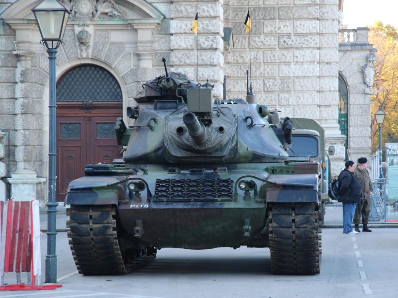 Der M60A3Ö ist mit einer 105 mm Panzerkanone bewaffnet © Doppeladler.com