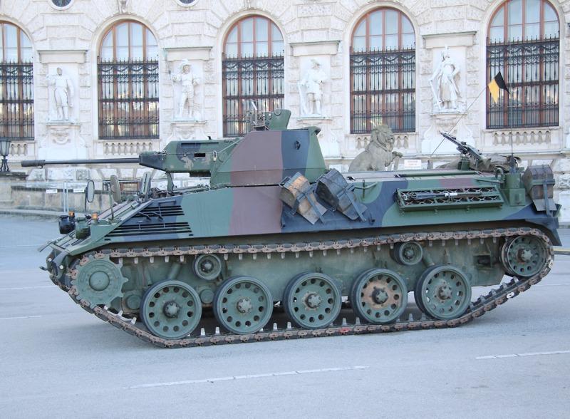 """Schützenpanzer SPz A1 """"Saurer"""" im Ruhestand © Doppeladler.com"""