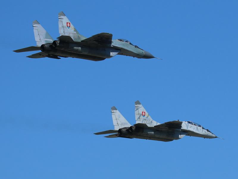Hausherren in Sliač: Mikoyan-Gurevich MiG-29 AS 6728 und MiG-29 UBS 1303 © Doppeladler.com