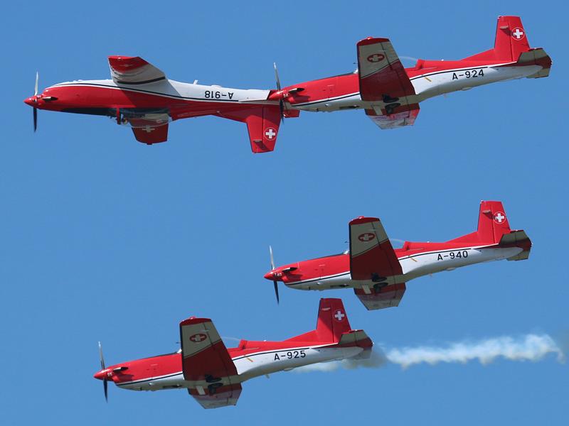 PC-7 Team aus der Schweiz auf Pilatus PC-7 Turbo Trainer © Doppeladler.com