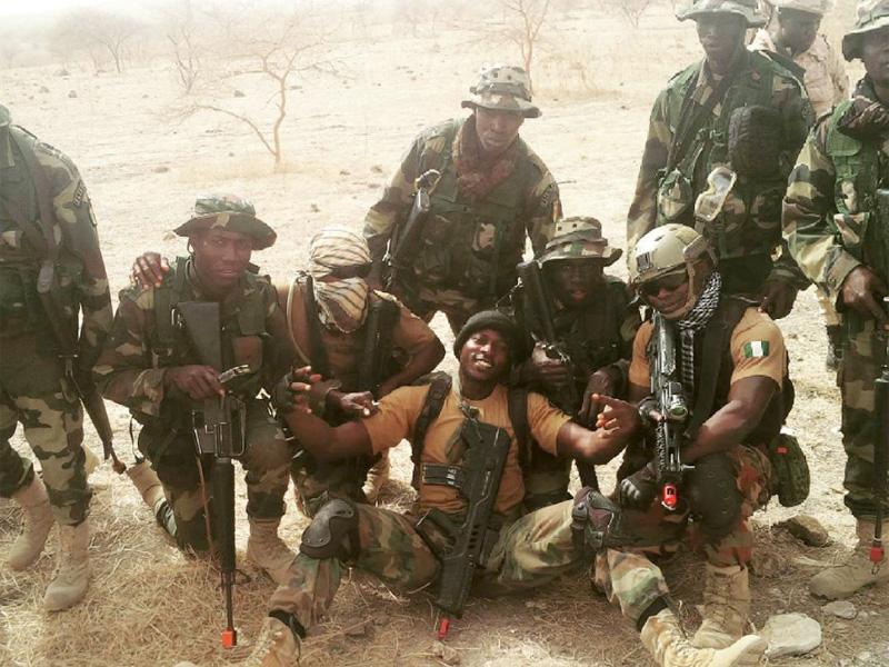 Afrikanische und französische Spezialeinsatzkräfte © Internet